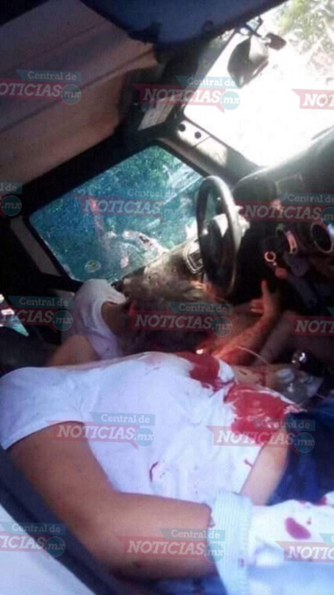 Comando armado ejecuta a dos mujeres y lesiona a dos niños en Comalcalco Tabasco.