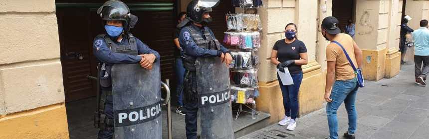 Policías resguardan Calle Guerrero de Cuernavaca
