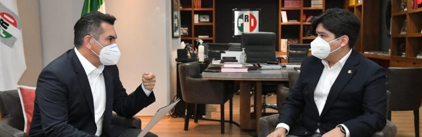Jonathan Márquez y Alejandro Moreno.